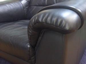 革張りソファの部分修理
