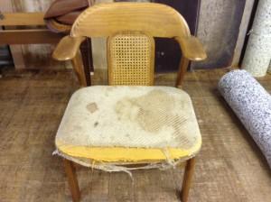 食堂椅子修理、塗装、張替